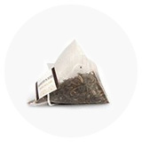 Herbata w jedwabistych piramidkach