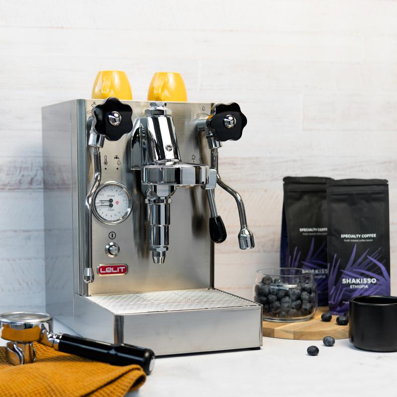 Półautomatyczny ekspres do kawy