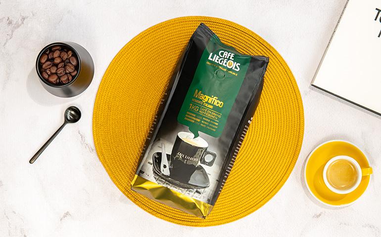 "Kawa ziarnista Cafe Liegeois ""Magnifico"""